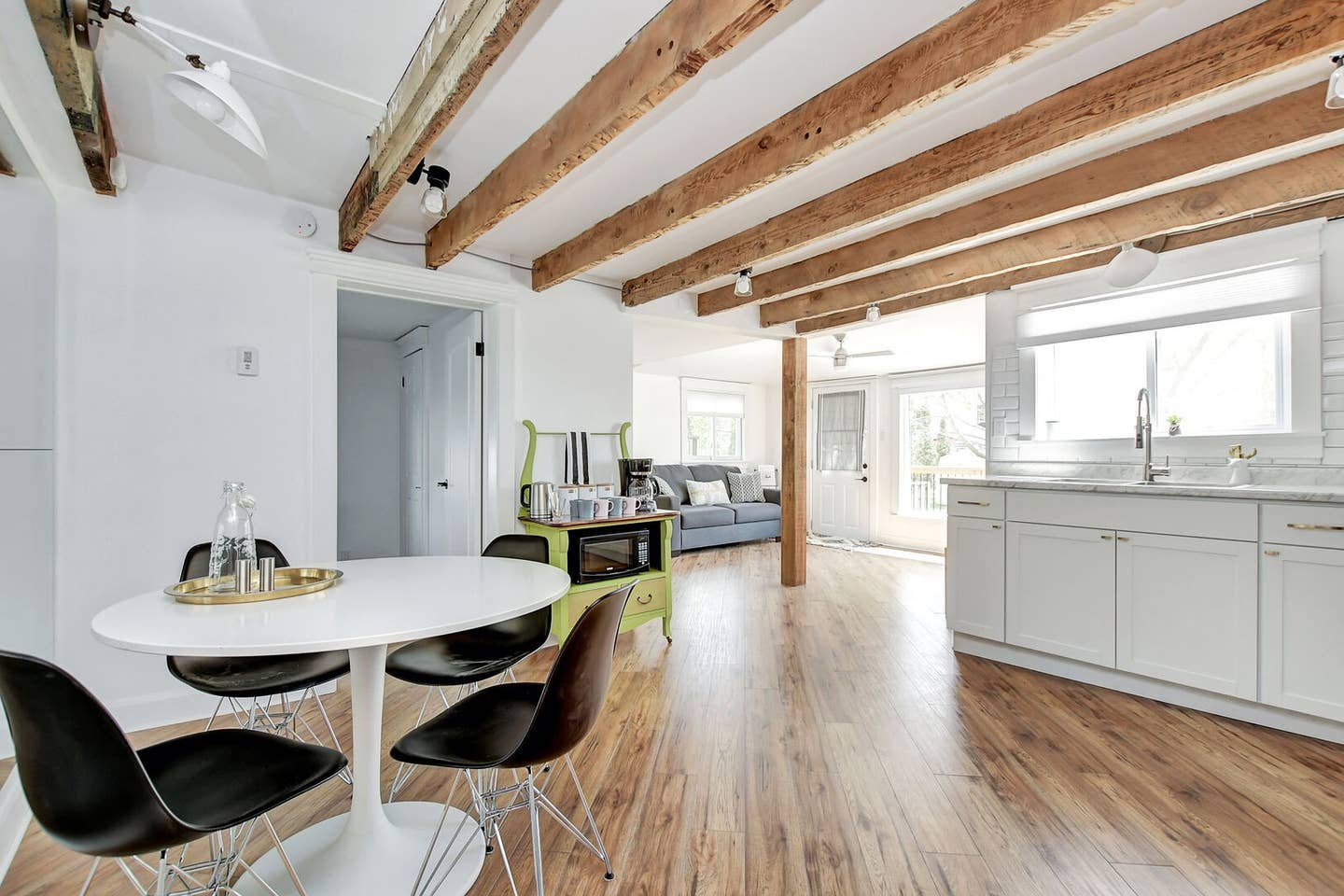 Exposed wooden beams, newly renovated space! photo 24