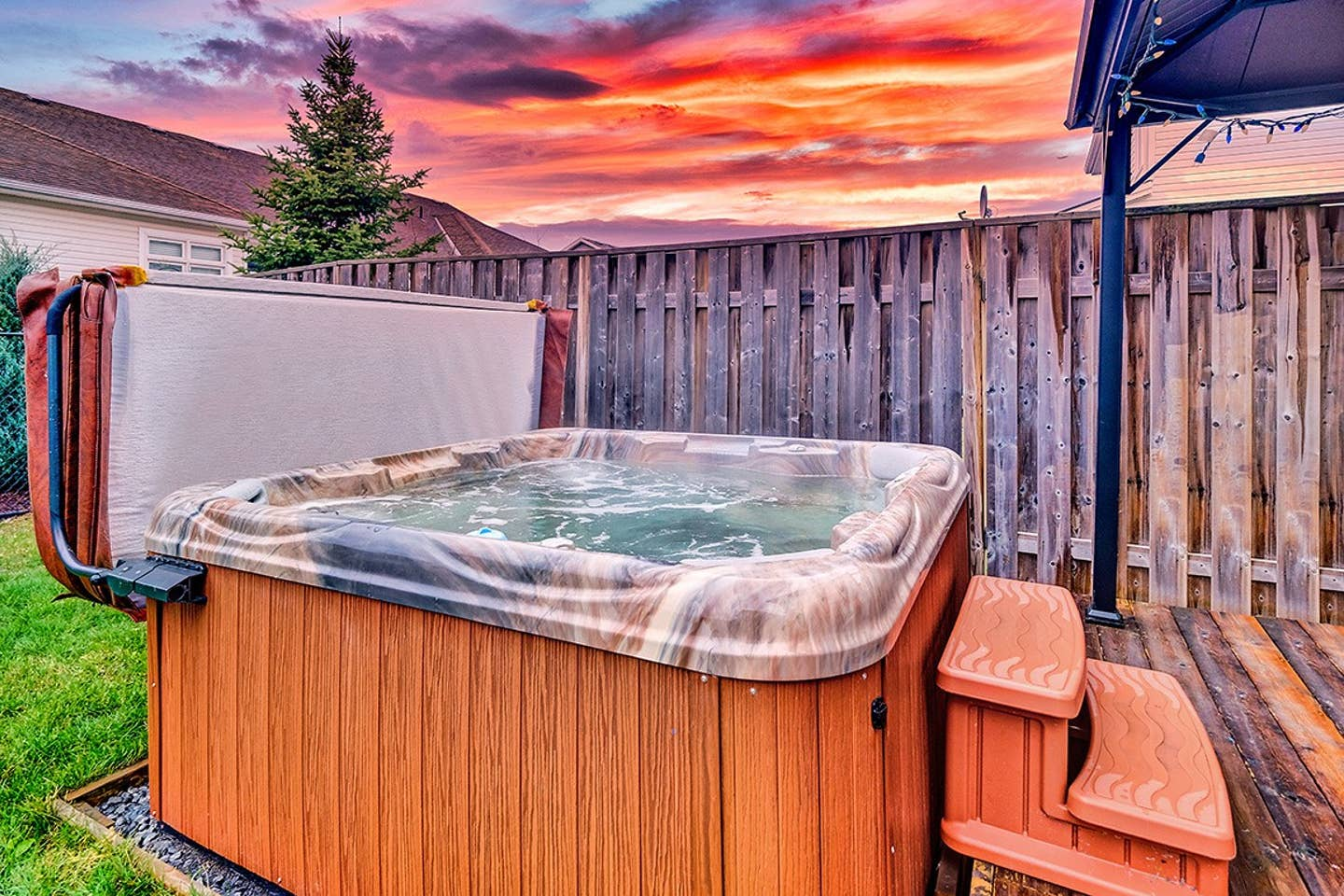 Executive home with hot tub and parking! photo 1