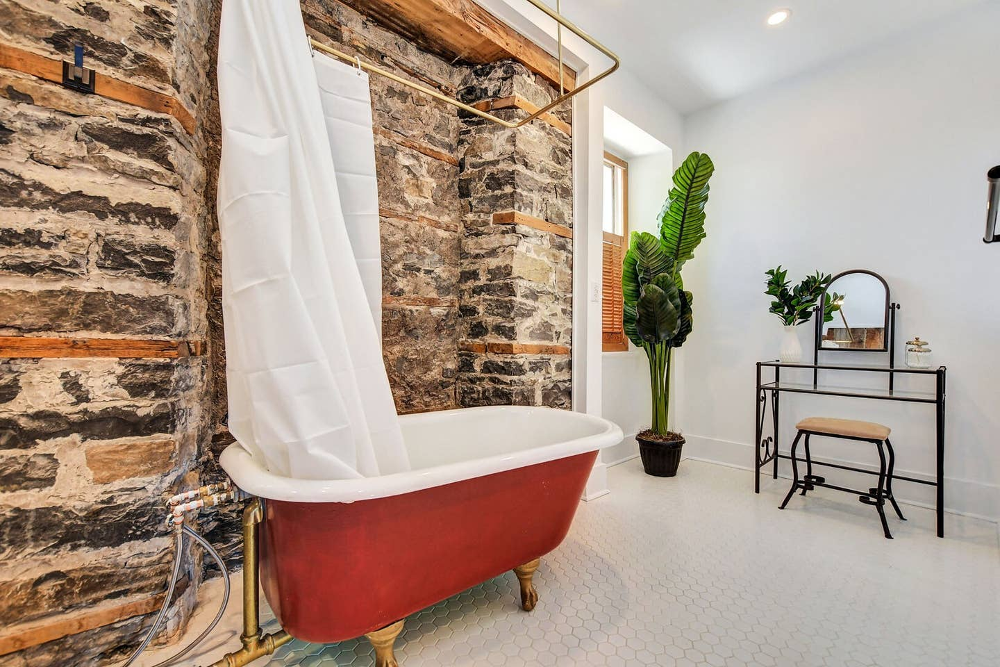 200 year old heritage home, original exposed stone! photo 1