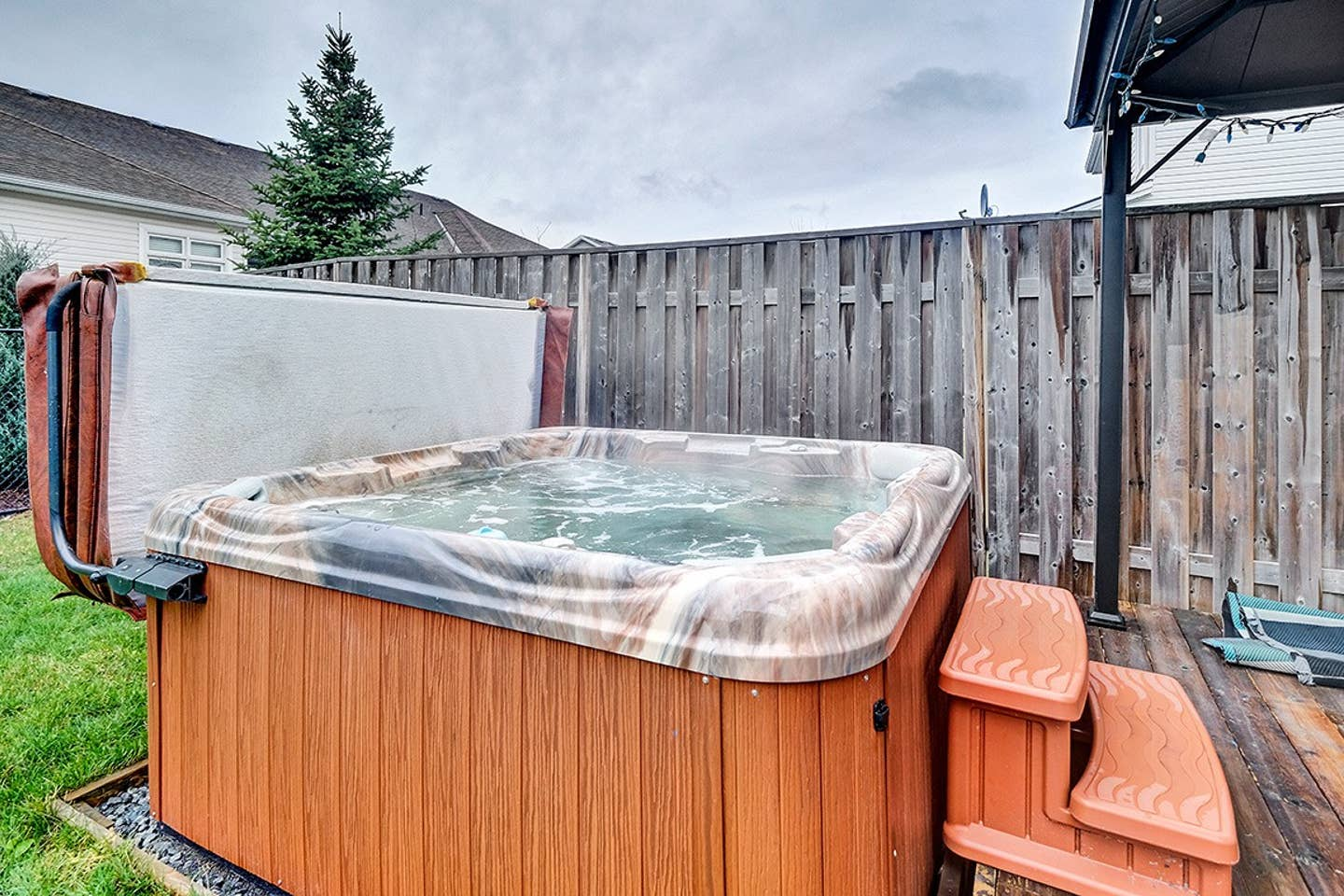 Executive home with hot tub and parking! photo 5
